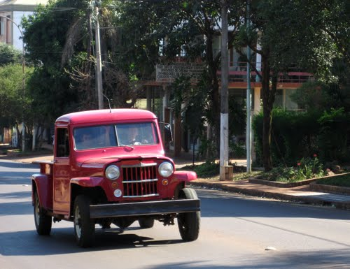 Jeep-Oldtimer in Montecarlo, Misiones