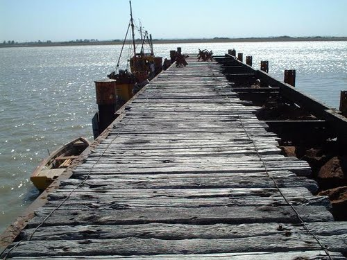 Puerto Rosales old jetty