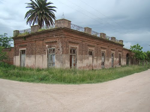 Almacén de García - Lobos (Bs.As.) - Edificio de 1850 - ecm